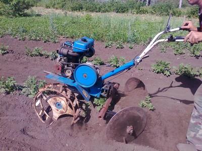 Окучник размеры Как выбрать и настроить двухрядное активное устройство для посадки картофеля Как его использовать