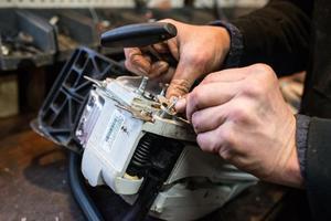 Как отремонтировать  бензопилу