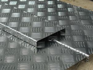 Рифленый алюминиевый лист. Современный противоскользящий и декоративный материал