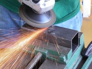 Обработка болгаркой металла